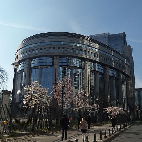 Il parlamento europeo legittima bitcoin e le altre for Oggi in parlamento